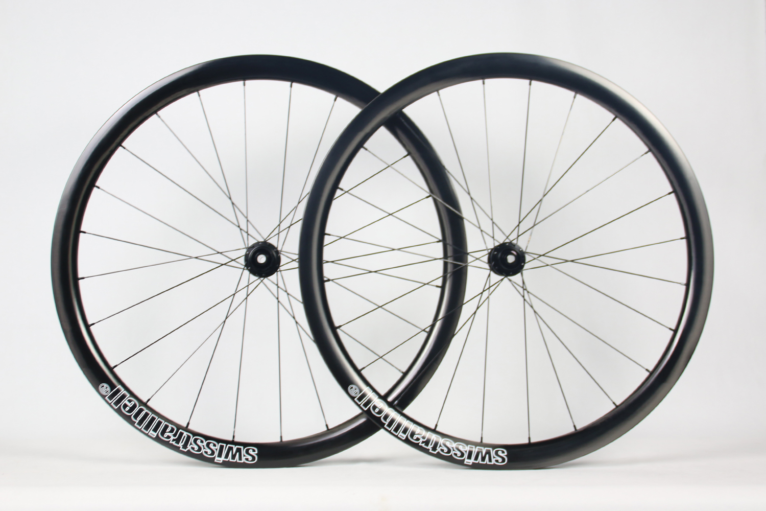 wr38-paintless-ud-carbon-wheels-with-custom-rim-decals