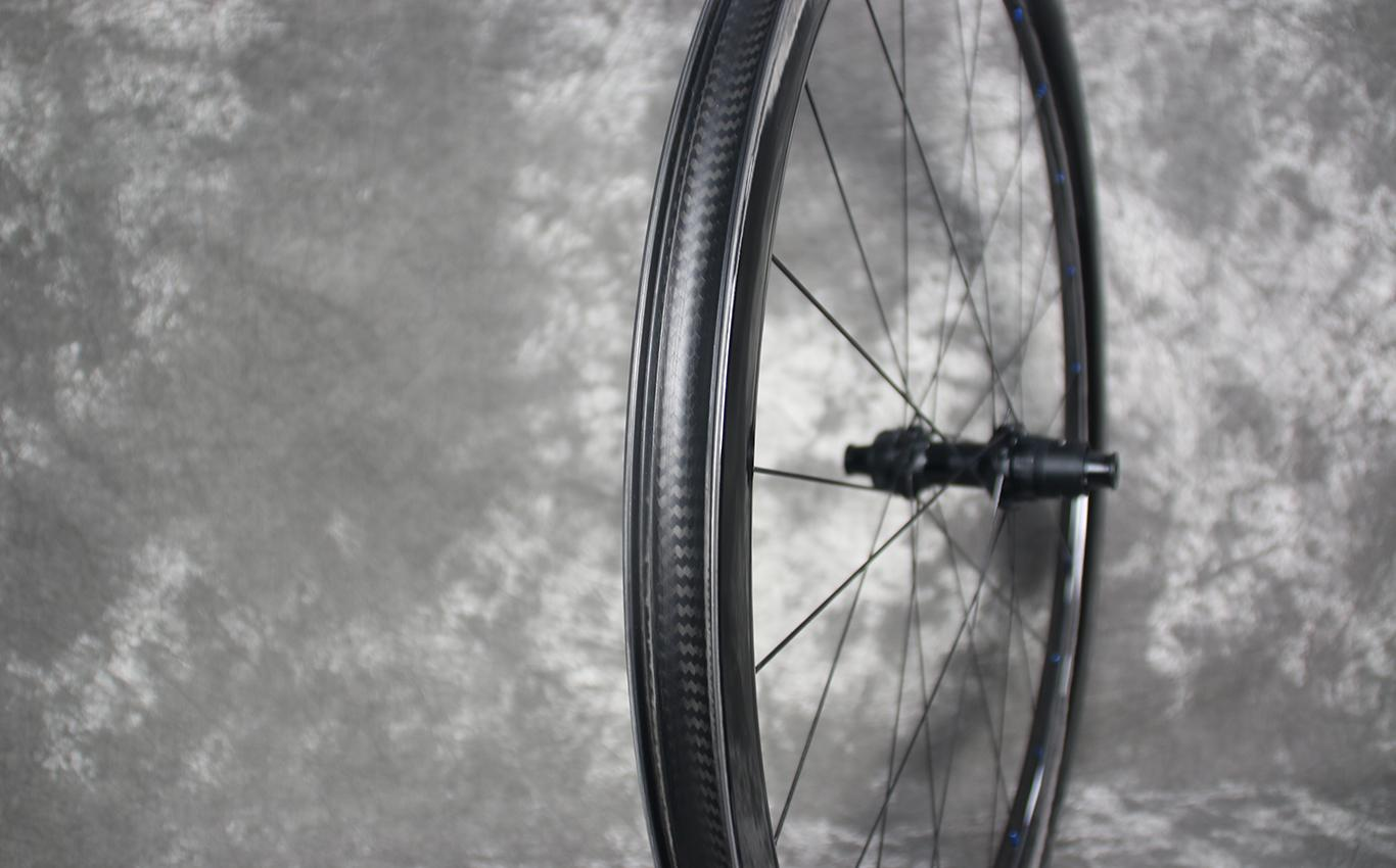 tubeless-wr38-32mm-wide-38mm-deep-carbon-wheel-rear-with-dt-swiss-180-exp-sram-xdr