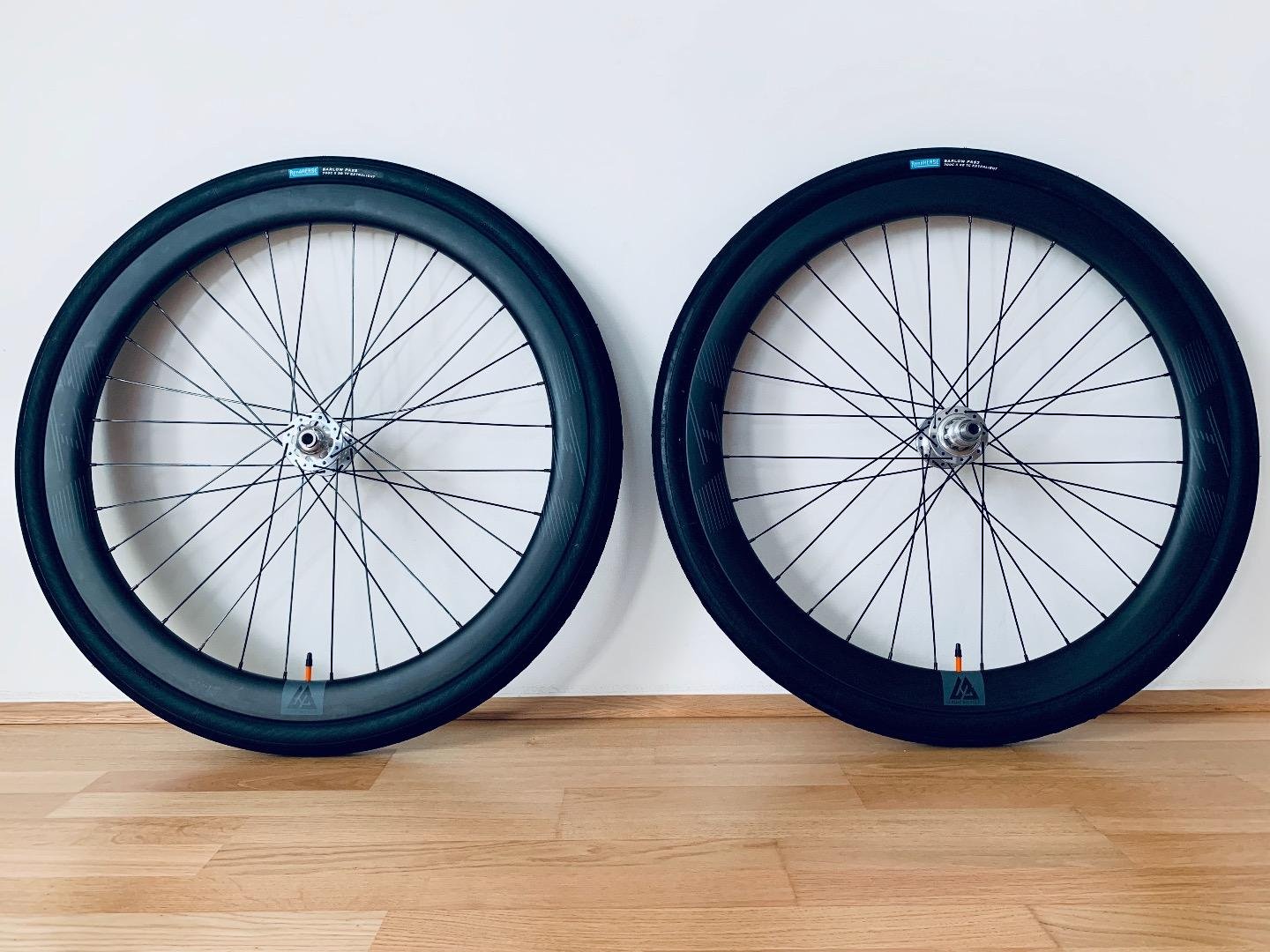45mm-carbon-road-disc-wheelset-with-rene-herse-tires-38c