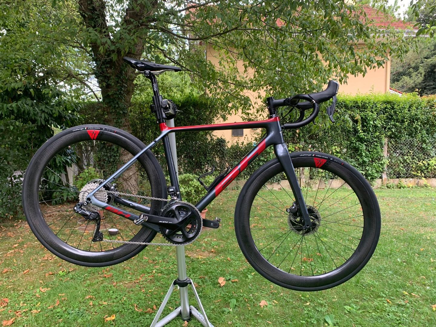 new-bike-build-bh-road-frame-with-light-bicycle-wr50-50mm-carbon-wheels