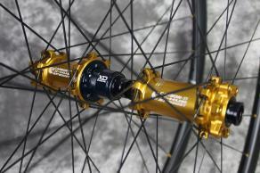 carbon-ti-x-hubs-sp-boost-gold