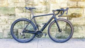 cervelo-r5-calssic-road-disc-bicycle-light-bicycle-46mm-deep-carbon-fiber-rims-matte-finish-ginat-gavia-ac1-tl-tires