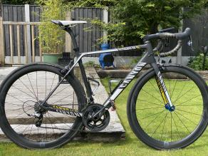 R45-45mm-rim-brake-carbon-wheelset-on-canyon-ultimate-cf-sl-frame