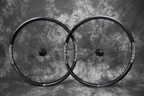 AM928-29er-mtb-carbon-wheelset-silver-decal