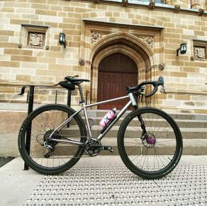 light-bicycle-ar28-review-rg922-gravel-wheels-for-lefty-bike