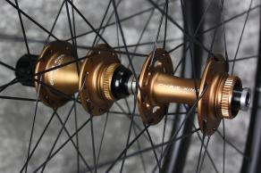 Chris-King-R45D-Matte-Bourbon-CL-J-bend-12-100mm-12-142mm-road-hubs