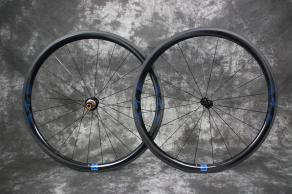 AR36-rim-brake-road-carbon-wheelset-matte-finish-blue-sticker