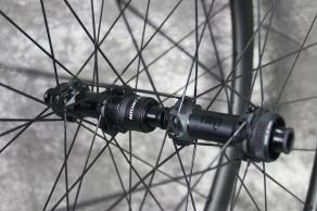 DT-swiss-180-EXP-SP-CL-12-100mm-12-142mm-road-hubs-sram-xdr