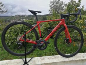 Canyon-endurace-slx-8.0-lightweigh-road-bicyle-with-LB-AR36-carbon-rims-dt-swiss-240s-and-continental-gp-5000