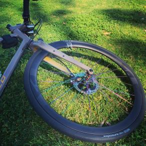 light-bicycle-AR36-36mm-all-road-carbon-wheel-with-oil-slick-spokes-hub