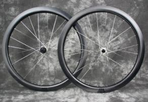 ar45-paintless-ud-carbon-rims-laced-to-silver-carbon-ti-sp-disc-x-hubs
