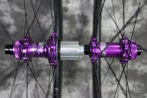 Hope-RS4-road-disc-centerlock-straightpull-12-100mm-12-142mm-hubs-purple