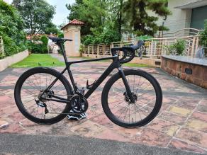 light-bicycle-AR46-satin-carbon-wheelset-on-Canyon-ultimate-cf-sl-race-bike