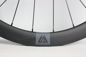 light-bicycle-ar46-46mm-deep-carbon-wheel-with-stealth-valve-decal