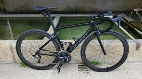 s-works-frameset-with-light-bicycle-ar46-all-road-46mm-deep-carbon-wheels-tubeless