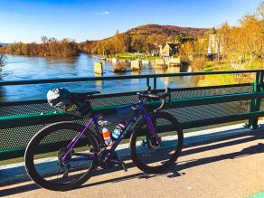 trek-road-gravel-bike-on-light-bicycle-ar46-carbon-clincher-wheels