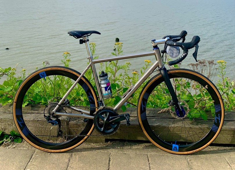 waltly-titanium-road-bike-on-light-bicycle-ar46-wheels-review