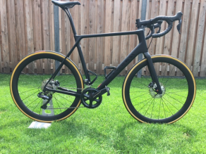 canyon-road-disc-brake-bike-on-light-bicycle-all-road-46mm-carbon-wheels
