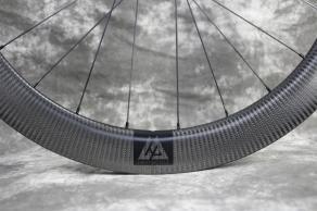 AR56-disc-700c-carbon-wheel-made-of-3k-twill-carbon-fiber