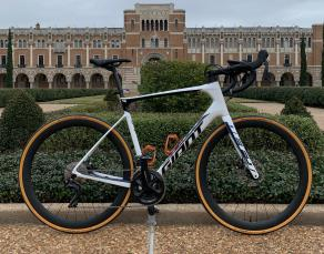 giant-defy-advanced-2-disc-2020-bike-review