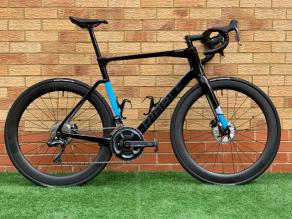 ribble-road-gravel-bike-on-light-bicycle-ar55-carbon-wheels