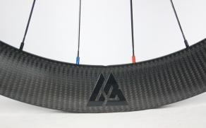 ar56-56mm-deep-3k-satin-carbon-wheel-black-valve-decal