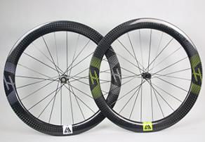 ar56-disc-carbon-wheel-yellow-decals-front-white-decals-rear