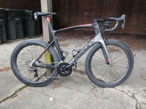 ridley-noah-fast-road-v-brake-bike-with-light-bicycle-ar56-carbon-wheels