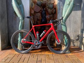 AR56-carbon-road-disc-wheelset-on-canyon-frameset