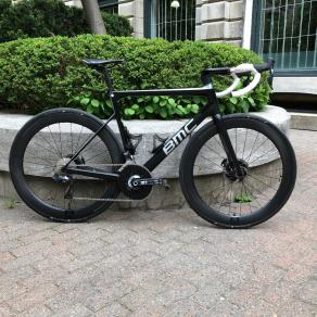 56mm-deep-section-carbon-wheel-road-bike