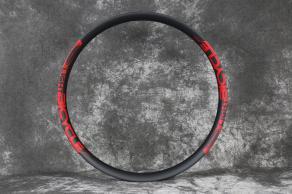 en740-3k-matte-carbon-rim-with-red-decals