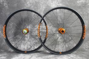 fat680-26er-fat-bike-orange-Hope-pro-4-fastno-orange-decal-carbon-wheelset