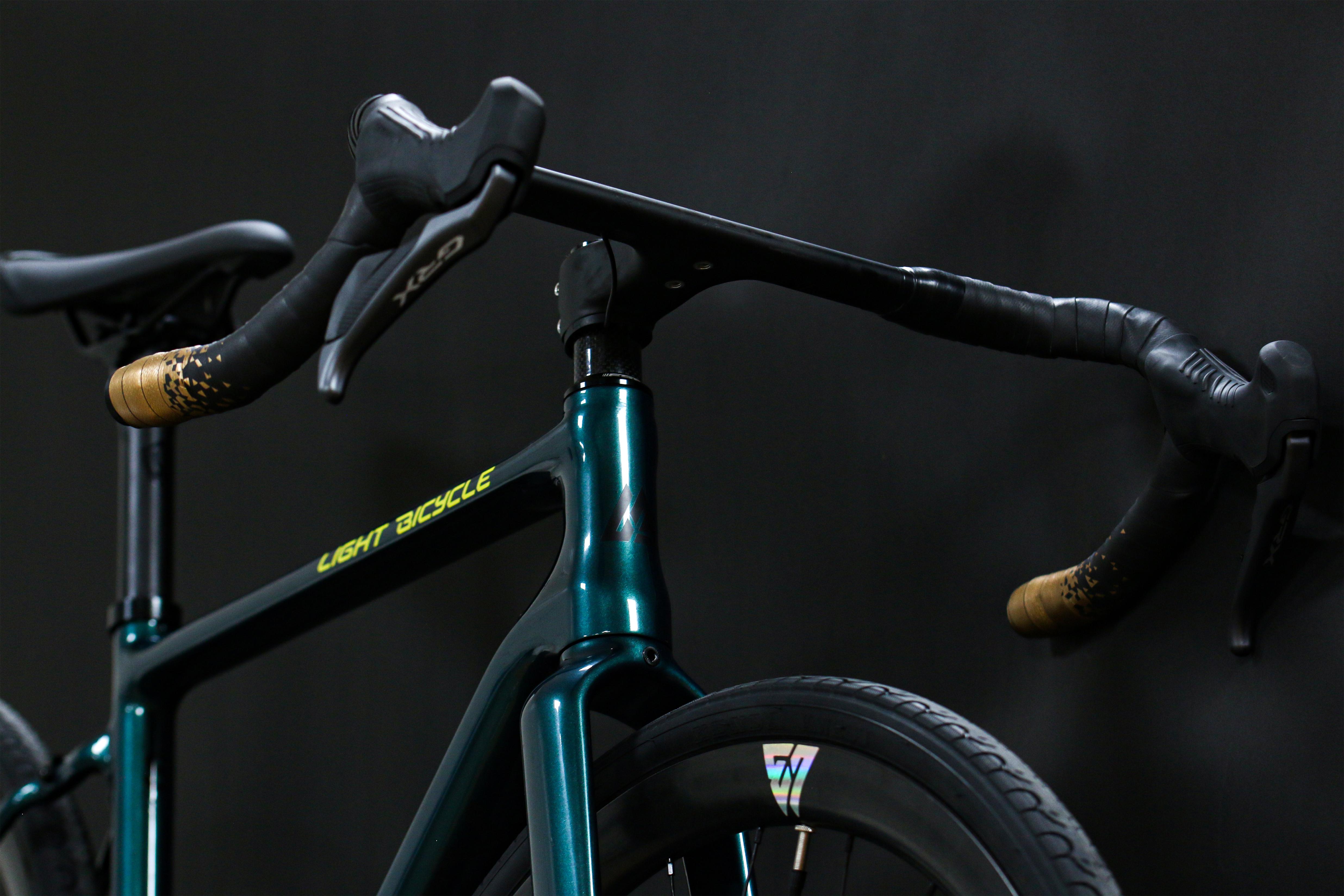 light-bicycle-journey-carbon-gravel-adventure-bike-build