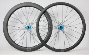 Light-Bicycle-R35-R55-Chris-King-R45D-Matte-Turquoise-Carbon-Wheelset