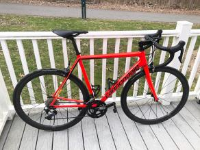cannondale-supersix-red-road-bike-frame-with-light-bicycle-r35-carbon-fiber-rim-and-continental-gp5000-clinchers