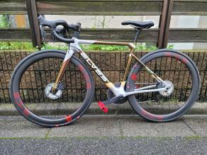 elves-vanyar-on-light-bicycle-45mm-carbon-wheels