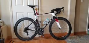 scott-foil-10-with-R55-carbon-rimmed-wheelset