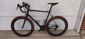 cervelo-r3-road-bike-on-light-bicycle-65mm-carbon-wheels