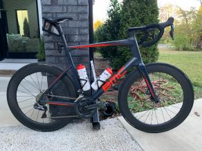bmc-road-disc-bike-65mm-carbon-wheels