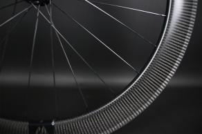 R65-65mm-depth-3k-twill-vertical-carbon-wheel