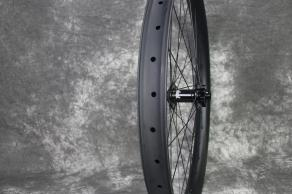 RM26C06-26er-mtb-46mm-width-tubeless-ready-hope-pro-4-12-110mm-boost-carbon-wheel-32h