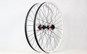 RM29C06-Cabron-Wheelset-Painted-White