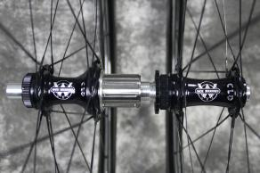 white-industries-cld-centerlock-disc-road-hubs-black
