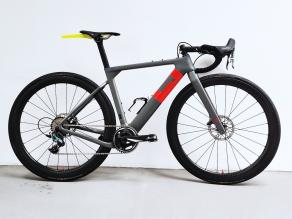 3t-road-bike-on-light-bicycle-wr45-road-wheels
