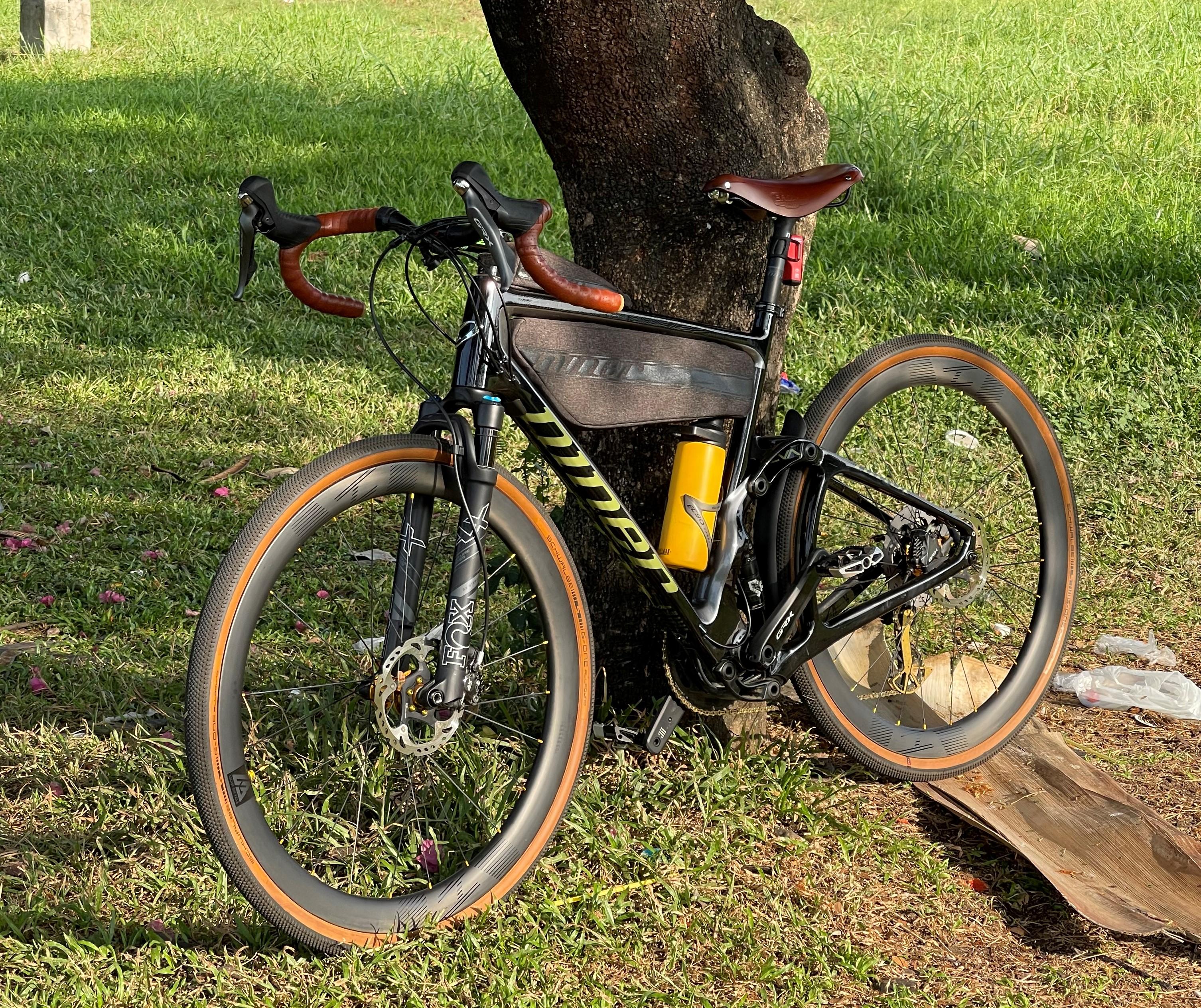 niner-gravel-bike-on-light-bicycle-wr45-disc-wheels