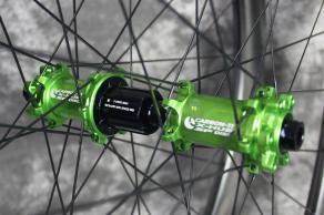 Carbon-Ti-X-Hubs-SP-6-bolt-iso-12-100mm-12-142mm-acid-green