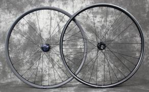 29er-carbon-wheelset-matte-finish-paint-vs-paintless-finish